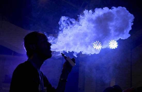 电?#21451;?#21040;底有没有危害 电?#21451;?#30495;的可以戒烟吗